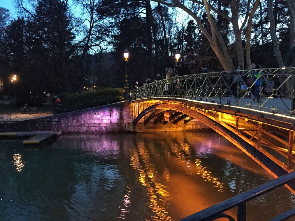A szerelmesek hídja