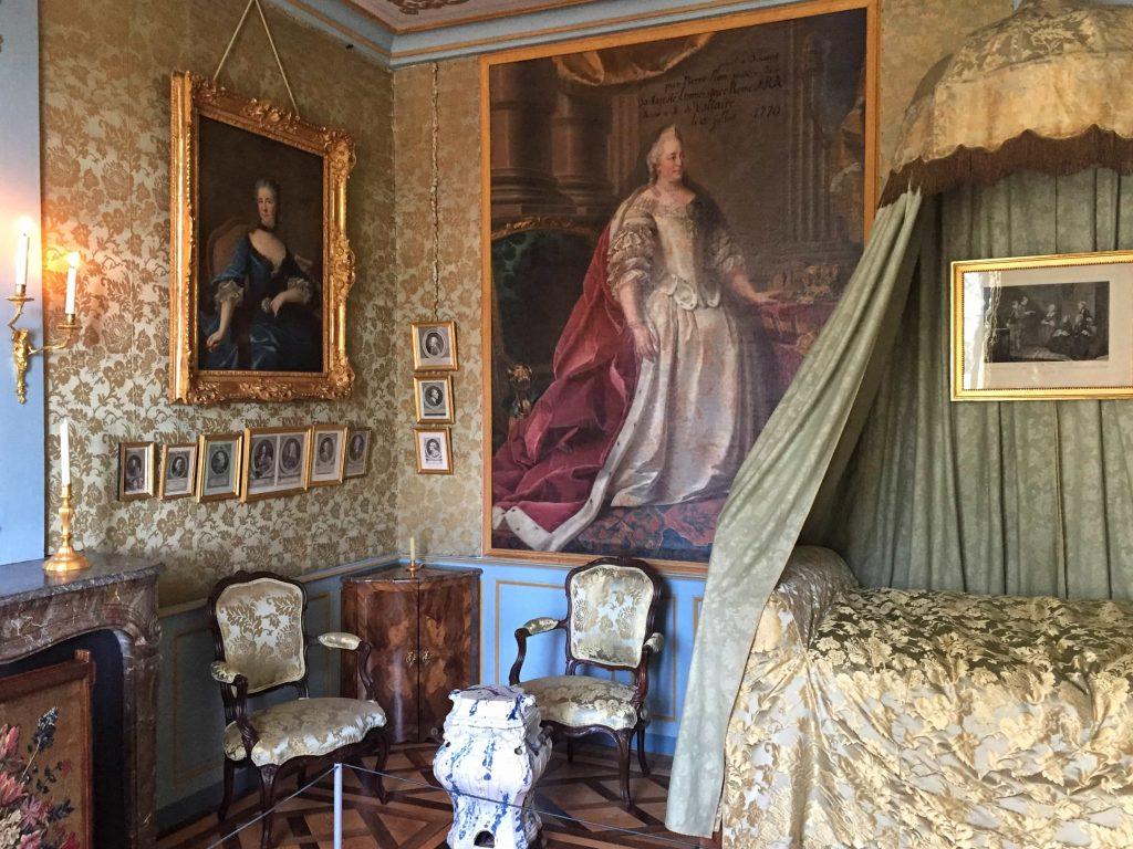 francia kastély hálószoba